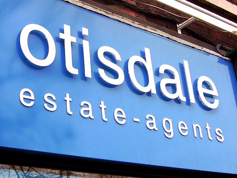 Estate agents Sign Maker
