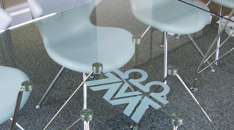 Table Logo Frost Manifestation