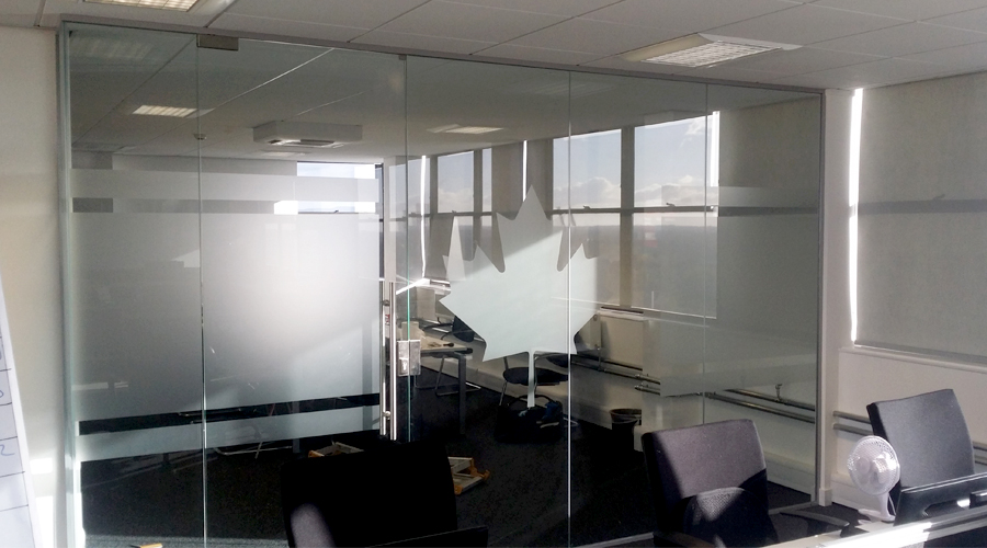 Canada Maple Leaf Glass Manifestation