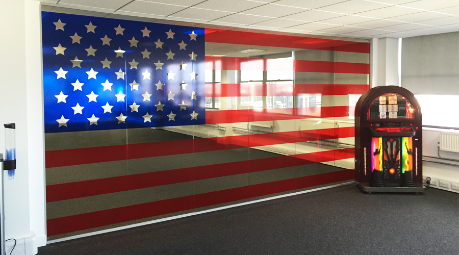 USA Flag Coloured Glass Manifestation